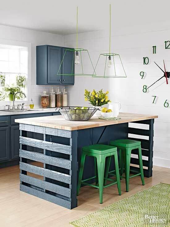DIY Homemade Kitchen Island from Pallet