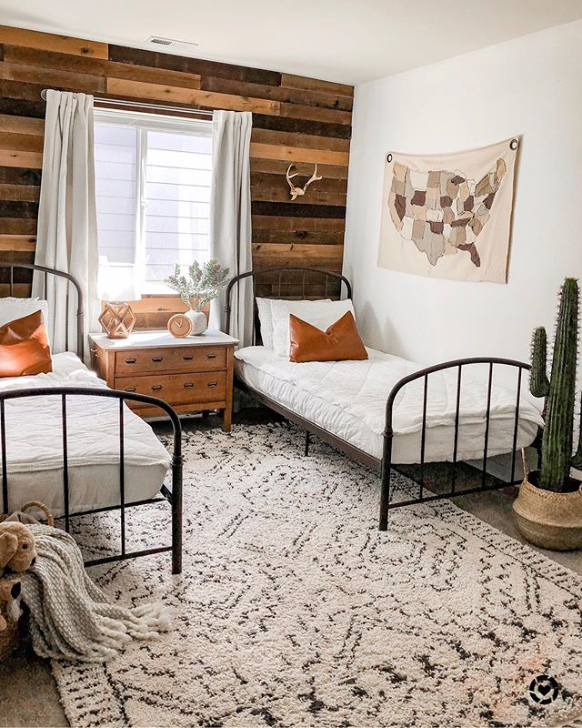Simple Twin Beds and Rural Rug - rustic bedroom