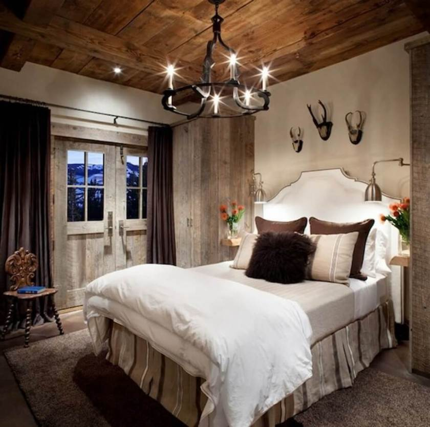 Hunter-style Rustic Bedroom