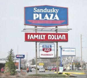 Sandusky-Plaza-Sign