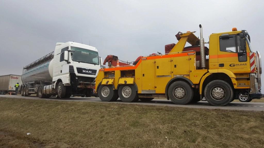 Sunkvežimių techninė pagalba kelyje visoje Lietuvoje visą parą
