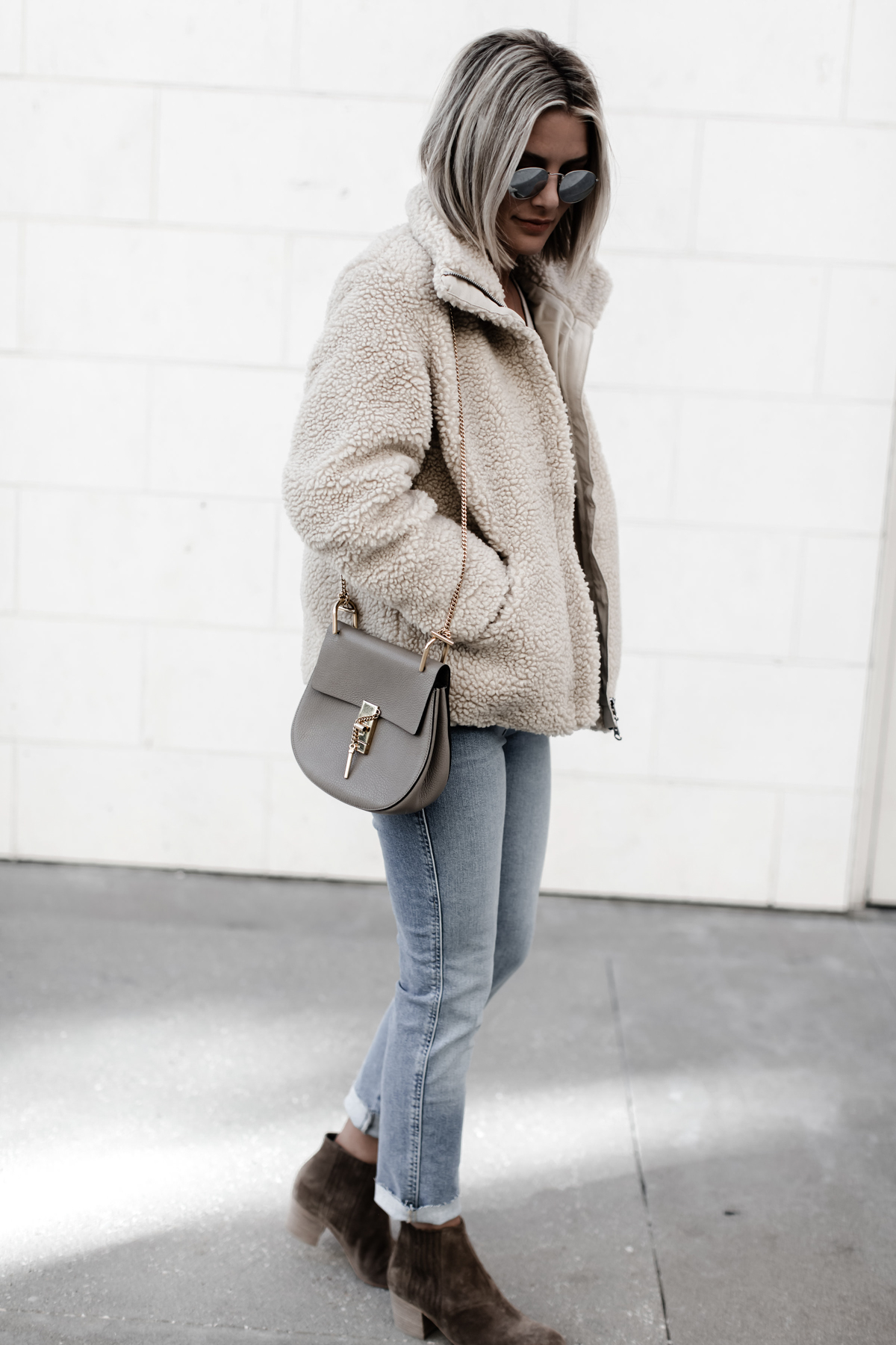 cute jeans and pile jacket outfit