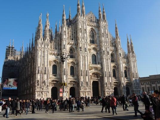 A mami le pareció que esta catedral de Milán fue de las más imponentes y hermosas de todas las que vimos.