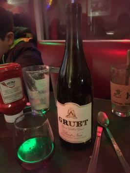 Brindamos con vino de Nuevo México.