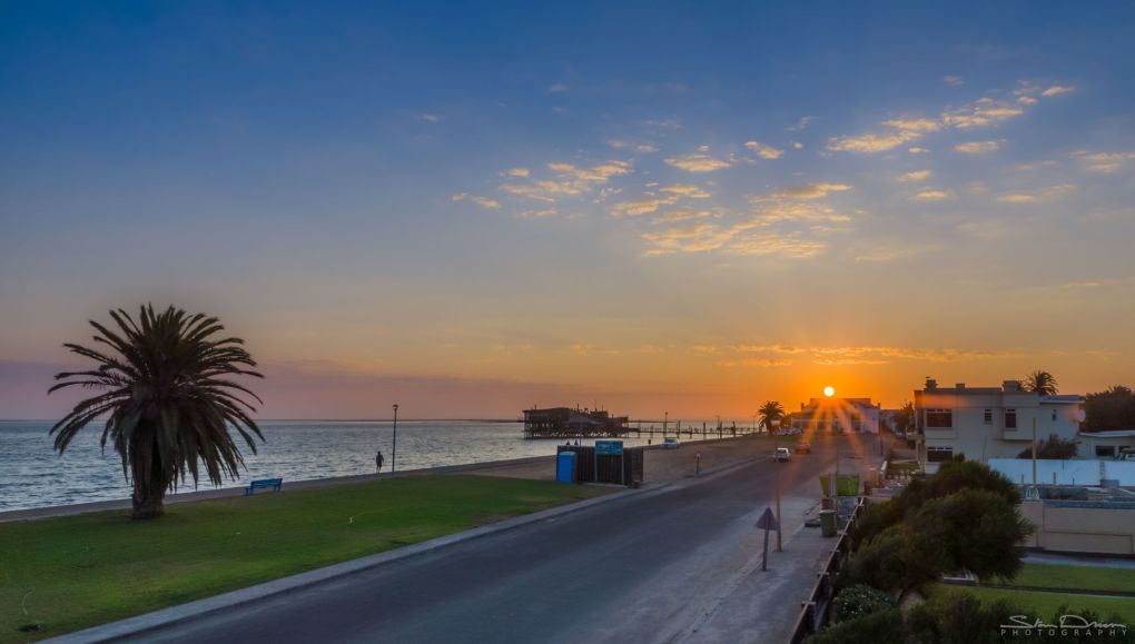 sunset-over-walvis-bay-namibia_l