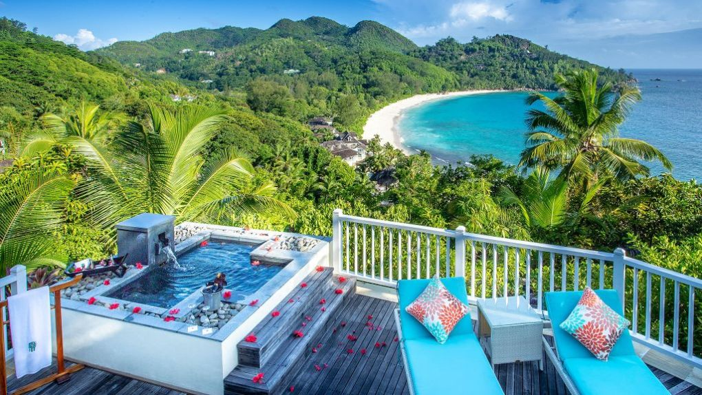 002784-21-Deck-View-Banyan-Tree-Seychelles