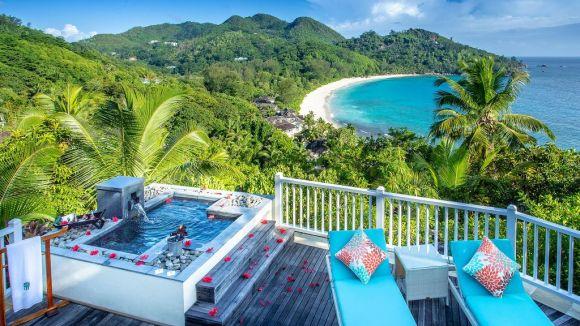 002784-21-Deck-View-Banyan-Tree-Seychelles
