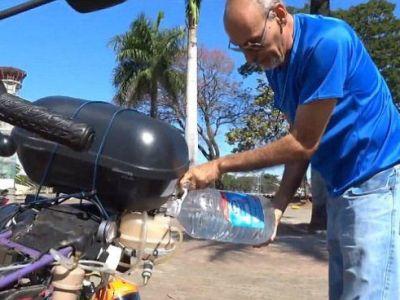 Conoce la motocicleta que puede recorrer hasta 500 kilómetros usando un solo litro de agua.