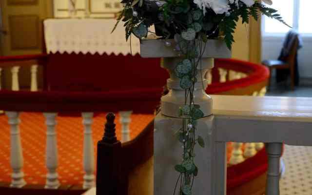 Kirkedekorasjon til bryllup