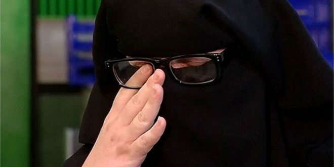 VIDEO Muslim Woman Kicked Out of Dollar Store Over Veil in Gary, Indiana