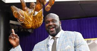 VIDEO: Lakers Honor Shaquille O'Neal with Statue Outside Staples Center