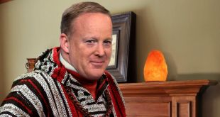Blissed-Out, Hemp-Wearing Sean Spicer Assures Reince Priebus This The Best Thing That Ever Happened To Him
