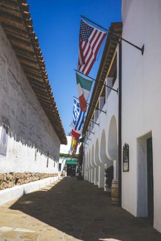 Alley in downtown Santa Barbara