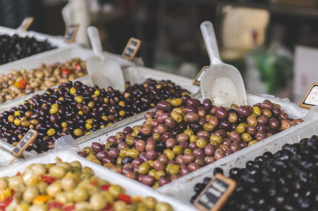 Farmers market olives
