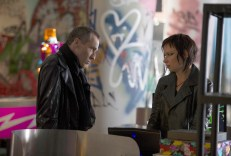 Michael-Wincott-Adrian-Cross-Mary-Lynn-Rajskub-Chloe-24-Live-Another-Day-Episode-5