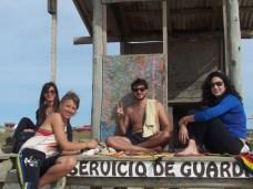 Berta (Spagna), Tania (Cile), Pedro e Fernanda (Brasile) a Cabo Polonio.
