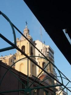 Una delle tante chiese del centro.