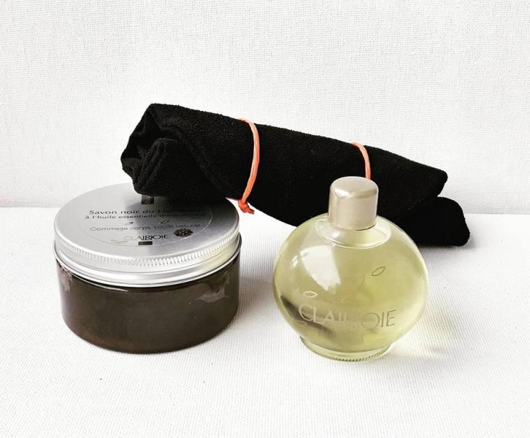 SCoffret Hammam : savon noir à l'huile essentielle d'eucalyptus 250 ml et huile parfumée précieuse à l'huile essentielle rare de fleur d'oranger bio - 33 euros