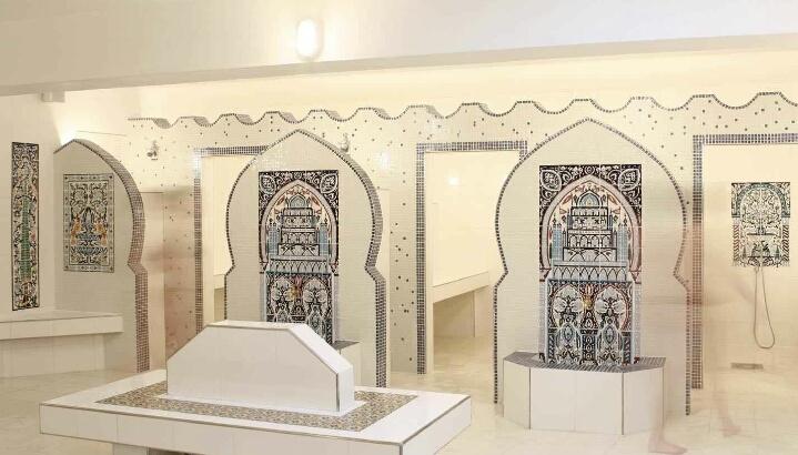 Hammam le Pacha - cabine de douche et salle de gommage