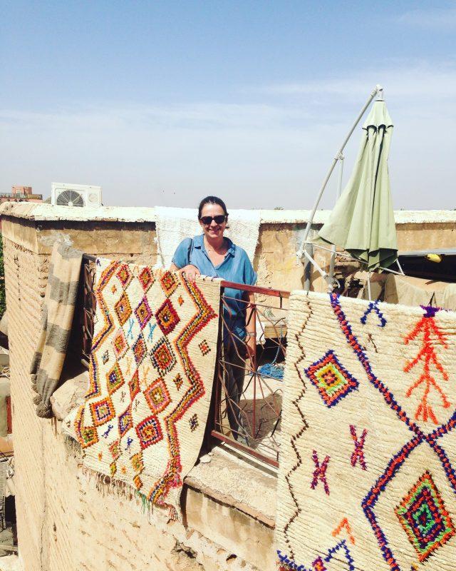 Azilal Berberteppiche auf der Terrasse