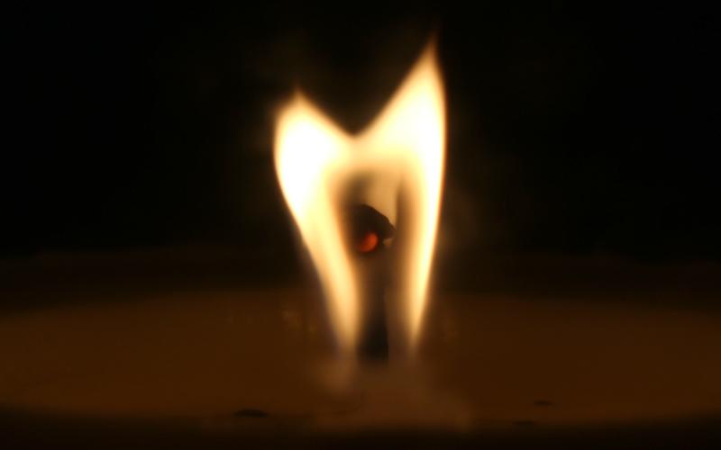 Im Kerzenlicht: Kurze Geschichte über die Liebe