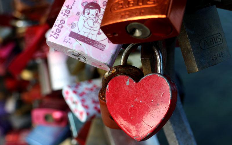 Liebe ist die sehnsüchtige Melodie des Herzens.
