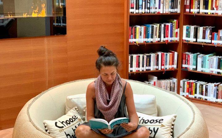 Literatur im Juffing: Die hauseigene Bibliothek lädt zu Entdeckungen ein.