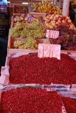 So much fresh fruit in the Valdivia market!