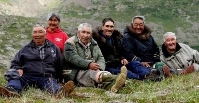inuit elders.jpg
