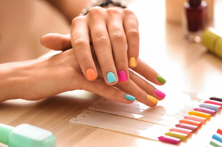 Self manicure tutorial