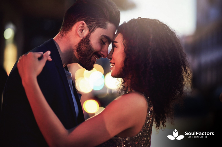 First Date Flirting Tips For Women - Spark The Chemistry With Him