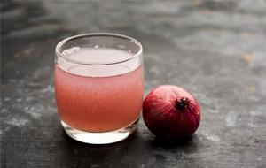 Make a blend of onion juic
