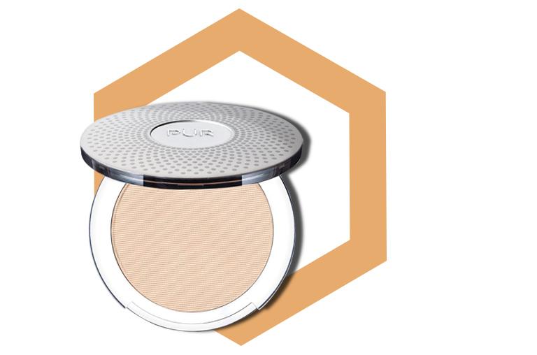 PÜR 4-in-1 Pressed Mineral Powder Foundation SPF 15