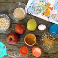 {toddler friendly} Apple & pear peanut butter cookies