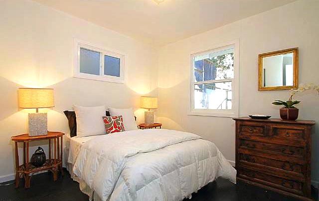 Second bedroom. Courtesy of Liz Johnson – Teles Properties