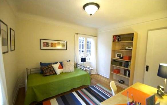 Second bedroom. Courtesy of Margaret Arana – Nourmand & Assoc.