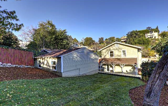 Spacious yard. Courtesy of Ken Shapiro – Silverwood Properties