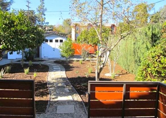 Yard. Courtesy of Steven Senigram – Keller Williams Los Feliz