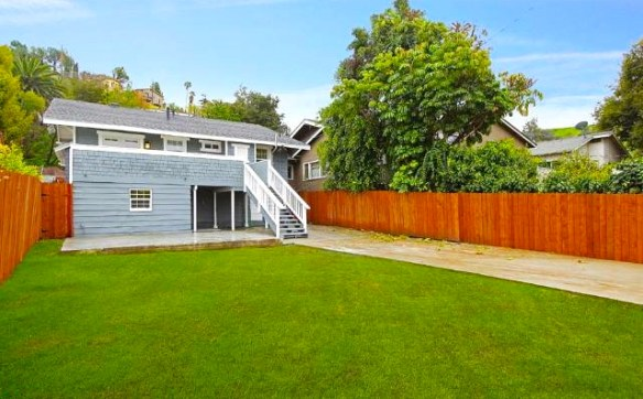 Yard. Courtesy of Tracy King – Teles Properties