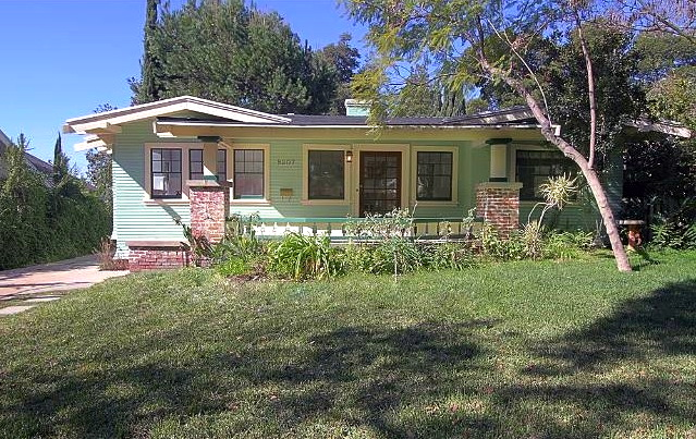 1918 California Bungalow: 5207 La Roda Ave., Los Angeles, 90041