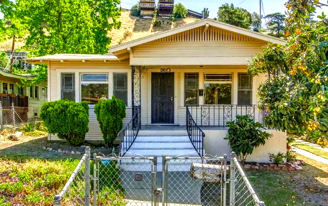 1922 California Bungalow: 4526 Griffin Ave., Los Angeles, 90031