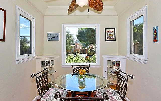 Breakfast nook with built-ins