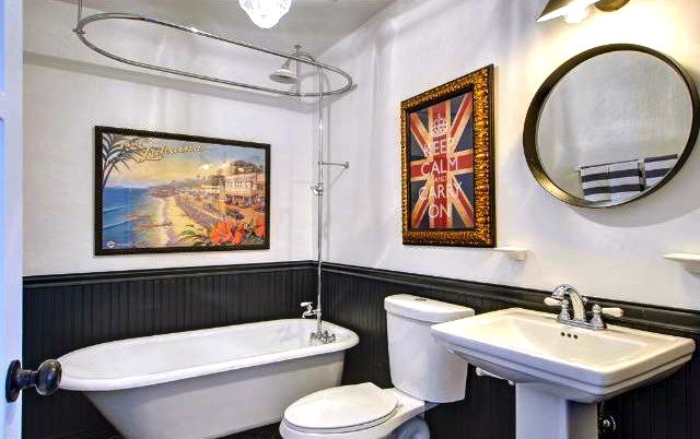 Bath with period fixtures and clawfoot tub