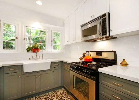 Modern kitchen with farmhouse sink