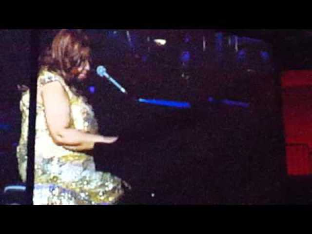 Aretha Franklin Tribute to Natalie Cole