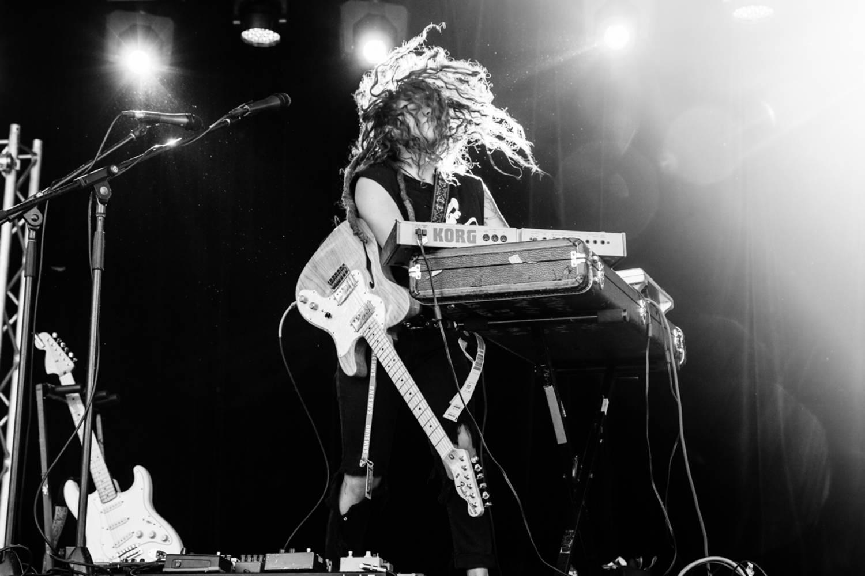 TASH SULTANA - MURDER TO THE MIND // Video + Tourdaten für den Sommer