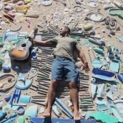 Jack Johnson prangert in seinem Video 'You Can't Control It' den Plastikmüll in den Meeren an