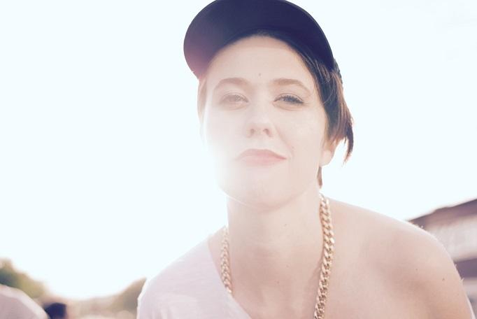 """ELENA hat """"Wut im Bauch"""" und präsentiert ein außergewöhnliches Video zu einem außergewöhnlichen Song // Video + Lyrics"""