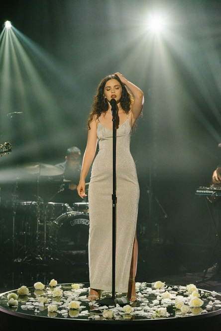 """Sabrina Claudio - Confidently Lost & Belong to You (Live @ """"Late Late Show"""" mit James Corden)"""