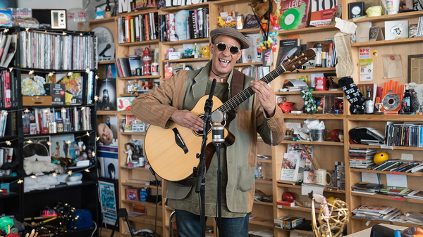 Raul Midón: Tiny Desk Concert (Video) #npr #tinydesk